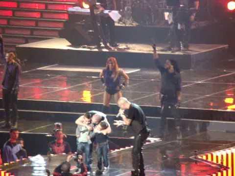 Wisin y Yandel Sexy moviento junto a los hijos de Yandel