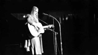 Joni Mitchell and Pete Seeger duet -