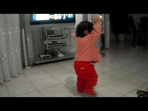 Melissa e vogel 2011 duke kercyer Genta Ismajli 1 vjeqare