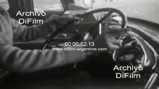 DiFilm - Imagenes de colectivos circulando por Buenos Aires 1979