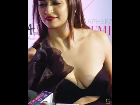 Xxx Mp4 Kriti Kharbanda Hot Clevage Exposed At Award Function 3gp Sex