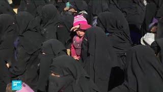 """حصري: هروب المدنيين من آخر جيب لتنظيم """"الدولة الإسلامية"""" في سوريا"""