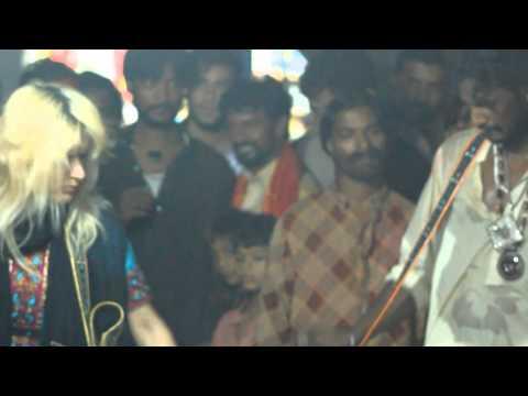 RANI TAJ Dhol at Shahbaz Qalandar Darbar