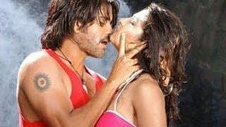 Super Telugu Movie | Gichchi Gichchi  Song With Lyrics | Nagarjuna, Ayesha Takia, Anushka