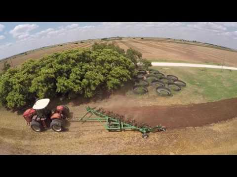 Versatile 350 pulling a 10 bottom plow in Alva Oklahoma
