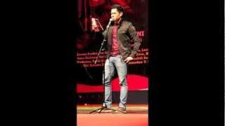 Dude Harlino Baca Puisi Palestina Karya Helvy Tiana Rosa