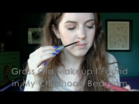 Gross Old Makeup I Found in My Childhood Bedroom | Chelsea Wears...
