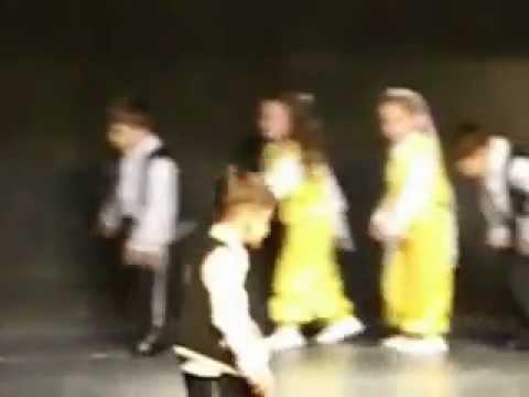 Fatsa Kız Meslek Lisesi Anaokulu Halk Oyunları Gösterisi