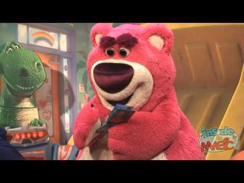Lots o Huggin Bear Lotso meet and greet in Disney s Hollywood Studios at Walt Disney World