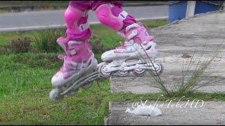 Lifia Niala belajar bermain sepatu roda - inline Skates Rollerblade