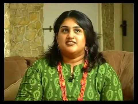 Tamil cinema Heroine Vanitha Vijayakumar talks about her family and her childhood [RED PIX]
