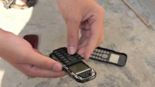 Tinhte.vn - thử nghiệm độ bền Nokia 1280 và C1-01