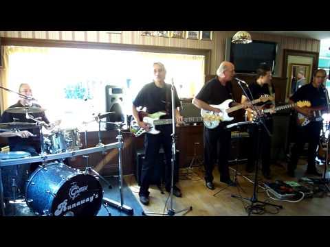 The Runaways leiden - Hurricane Beat