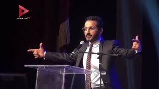 أحمد حلمي يروي موقف مضحك له مع شمس الإتربي.. قالت عليا حمار