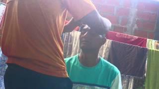 Vídeos engraçados: O cabeleireiro doidão