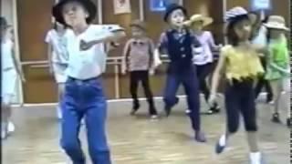 Ridy dancing (2003)