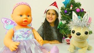 Ayşe, Gül ve Loli yeni yıl kostümlerini giyiyor.Yılbaşı kutlama oyunları.
