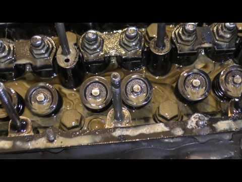 Почему масло в двигателе уменьшается