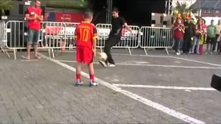 Pietro 9 ans petit prodige du football - Jongle avec Leamssi champion de freestyle