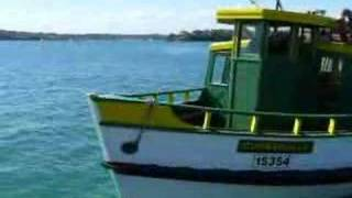 Bundeena Ferry Arrives