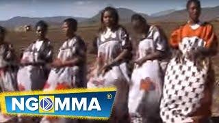 Emali Town Choir - Wakristo Bandia