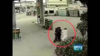 Petrol Pump robbery attempt foiled by Brave Security Guard in Karachi Pakistan