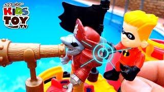 Incredibles 2 attacks the sea pirates near the pool  Cartoon with toys TaTaToyZZ