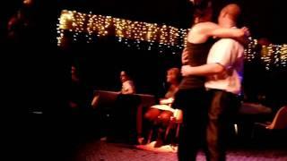 Ludo en fille qui danse avec Damien + Premier slow de la soirée ♥