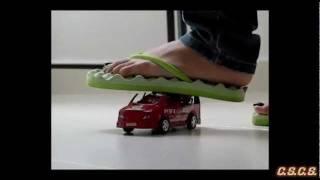 Y - SlowMotion 300fps - Toy Car 02