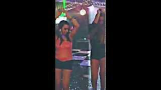 Deliciosas, Erika e Suelen Gostosas na dança do ventre