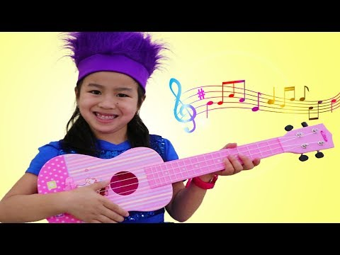 Xxx Mp4 Jannie Pretend Play With CUTE Guitar Toy And Sing Kids Songs 3gp Sex