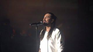 Amirabbas Golab - Bemanad - Live In Concert ( امیرعباس گلاب - اجرای زنده ی آهنگ بماند )