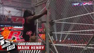 10 لحظات مخزيه دمرت عرض القفص في المصارعه الحره - WWE