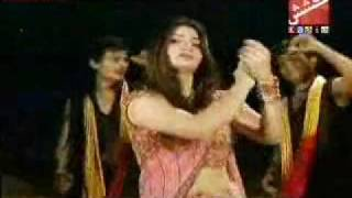 Hot model dance on Shahnila Ali Sindhi song