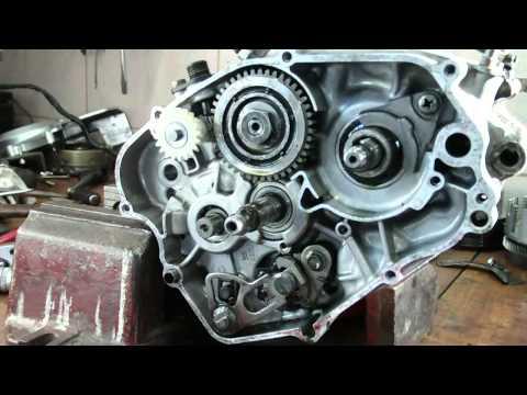 Yamaha DT 125 Rozbieranie silnika engine disassembly