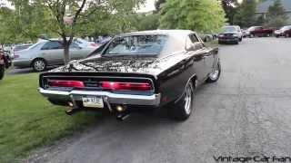 1969 Dodge Charger V8 Idling