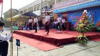 Shuffle dance-Despacito -11A4 THPT MỸ ĐỨC A- 2016-2017.