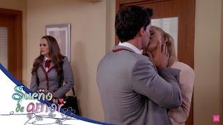 ¡Esperanza sorprende a Cristina y Ricardo besándose! - Sueño de amor*