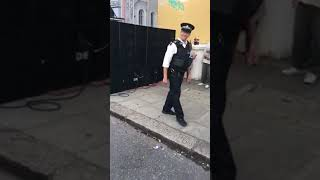 NOTTING HILL CARNIVAL 2017 POLICE OFFICER DANCING
