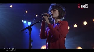 Alcaline, le Concert : The Dø - On My Shoulders en live