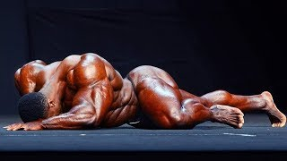 Top 7 Stage Falls In Bodybuilding History