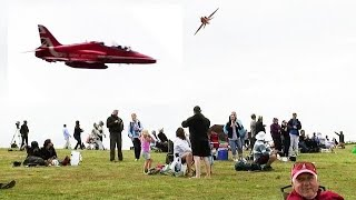 """🇬🇧 Awesome Low Red Arrow Flybys Up Beachy Head. """" Eastbourne Airbourne """""""