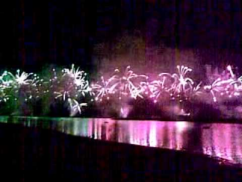 Biggest fireworks on Palm Jumeirah Dubai Opening Atlantis Hotel 1