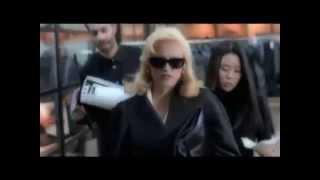 Madonna feat. Nicki Minaj  - I dont give A