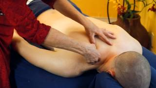 Difference Between Men & Women Back Massage Therapy, How to Massage A Man