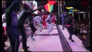 Ziza Bafana performance at the Guluma Nasomye Batufitina Concert