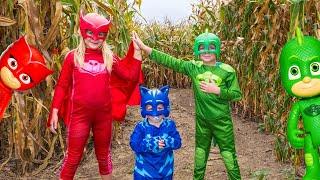 PJ MASKS Assistant Owlette and Gekko Batboy LOST In a Corn Maze Adventure Video