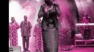 Cindy Thompson - Awanwa Do !