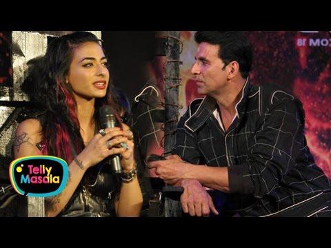 VJ Bani Funny Moment With Akshay Kumar On Khatron Ke Khiladi | Bigg Boss 10