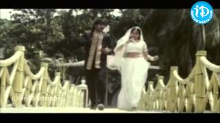 Ningi Nela Ooyala Song - Gillikajjalu Movie Songs - Srikanth - Meena - Raasi - Brahmanandam